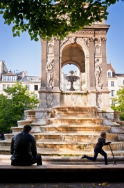 Après-midi de printemps, fontaine des Innocents, Paris